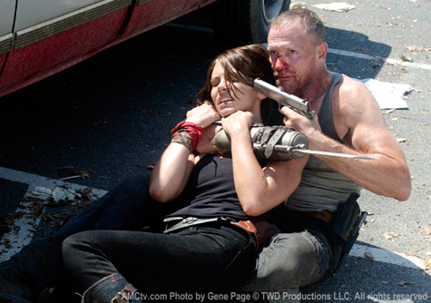 Merle with gun to Maggie's head