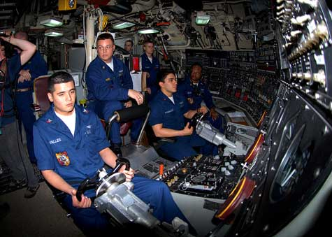 The helm of the Ohio-class guided-missile submarine, USS Florida (SSGN-728), in March 2010.